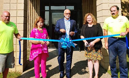 Melvindale Senior Center celebrates renovations with ribbon cutting ceremony